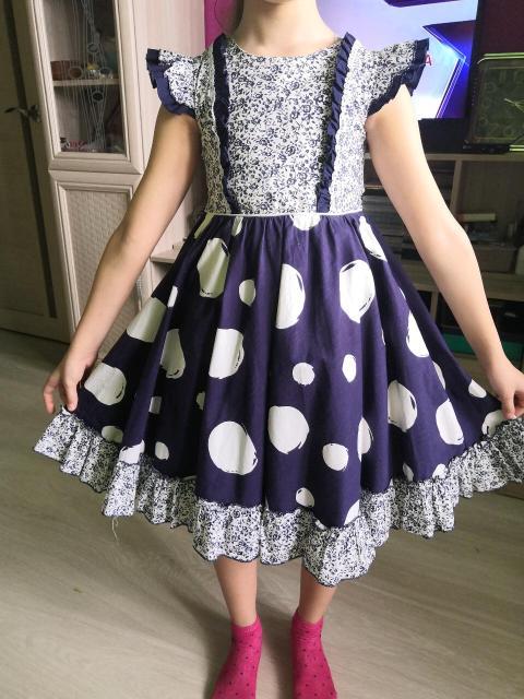 Платье для девочки на рост 122-128.