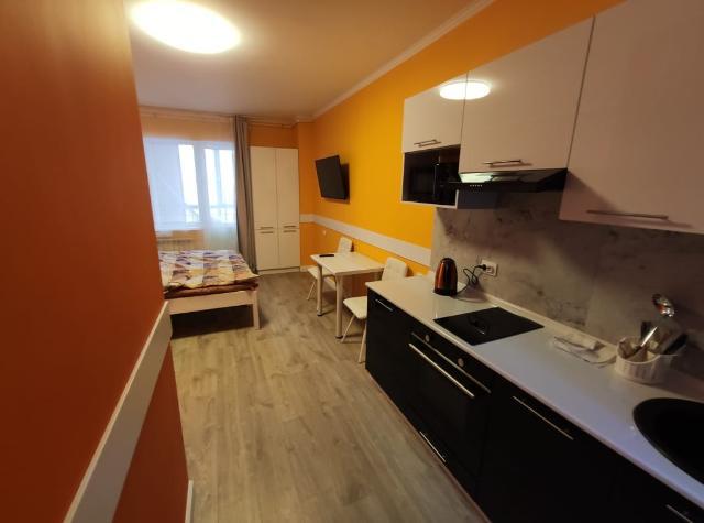 Посуточно сдаем отличные квартиры и гаражи. В квартирах есть все для комфортного проживания. Чистота и уют. Квартиры оборудованы кондиционерами.