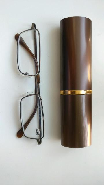 Продаю очки +4