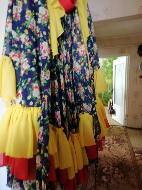 Танцевальный костюм цыганский за 3,5 т.