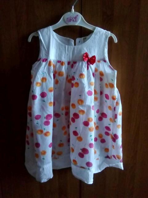 Очень лёгкое, свободное, воздушное летнее платье фирмы H&M, р.110см.(на 4-5-6лет). Хлопок.