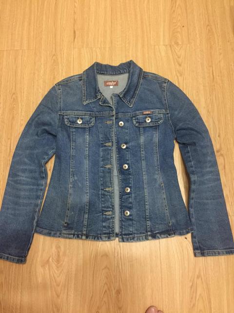 Куртка на девочку , материал плотный , 55 см