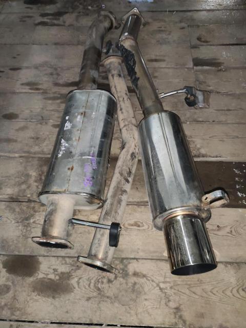 Hks hi power silent jzx90-100 оригинал, начало 76, середина 80 труба, выход на 120мм. Звук тихий, благородный, басистый. На резинках juran, фирменных кронштейнах hks. Обмен либо на деньги. Кидайте варианты.