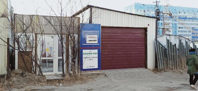 Сдам 14 кв.  м.  под Велопрокат. по ул.  Дзержинского 61.  Недалеко от Столичного рынка.. тел.  700-065