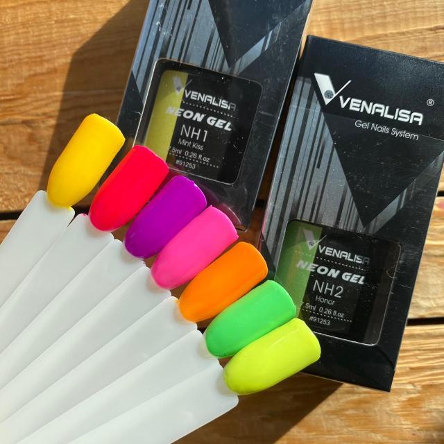🤩Неоновые оттенки от Venalisa Color Coat - гель-лаковое цветное покрытие от Веналиса (завод CANNI)☝🏽 Имеет высокую пигментацию и густую консистенцию, благодаря чему прекрасно ложится и перекрывает ноготь с первого слоя.  💰ОПТ от 3 шт Ссылка на инстаграм👇🏼 https://www.instagram.com/candy_sweet.ykt/ 🌸По самым Вкусным Ценам😋 🌸Адрес Дом Торговли, этаж 4, павильон 2🛍 🌸Доставка от 1500₽ бесплатно🚗