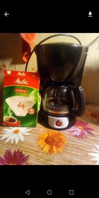 Кофеварка в хор. сост. Дополнительные фильтрующие пакетики в подарок