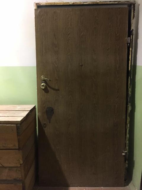 Входная дверь с рамой