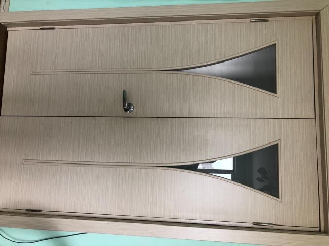 Продаю две двери в хорошем состоянии, ширина каждой 60, цена за обе 2500, самовывоз