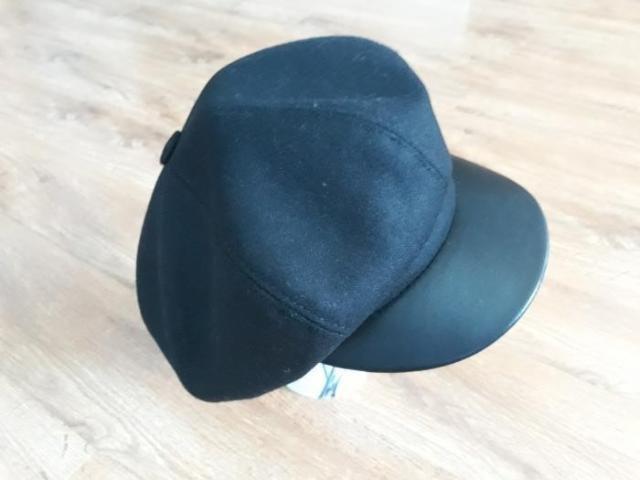 Новая кепка, отличного качества, мягкая, приятная на ошупь, аккуратный пошив, большой размер 61-62. торг .