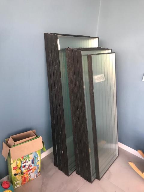 Продаю стеклопакеты б/у с новостройки 1 шт - 1000 руб. 4 шт. размером 136 см на 66 см. 4 шт. 127 см на 56,5 см 1 шт. 78,5 см на 103 см - от кухонного окна 1 шт. от балконной двери, вторая треснутая