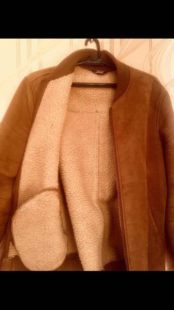 Продаю Фирменную замшевую  куртку бомбер «Camelot » оригинал👍 натуральная овчина🐑размер (М)46- 48состояние товара отличное👍