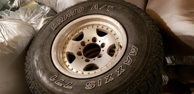 """Пять колёс в сборе 265/70 R15"""" разболтовка 6х139,7 Черыре колеса в отличном состоянии,  пятое (запаска) уставшая Диски одинаковые (5 штук) Стояли на Митсубиши Паджеро"""