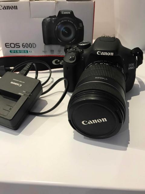 Фотоаппарат зеркальный Canon EOS 600D Kit 18-135 IS Black + переносная сумка с дождевиком. Состояние 5/5. Состояние 5/5