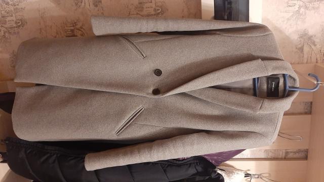 Продам женское пальто б/у в хорошем состоянии , размер 46.