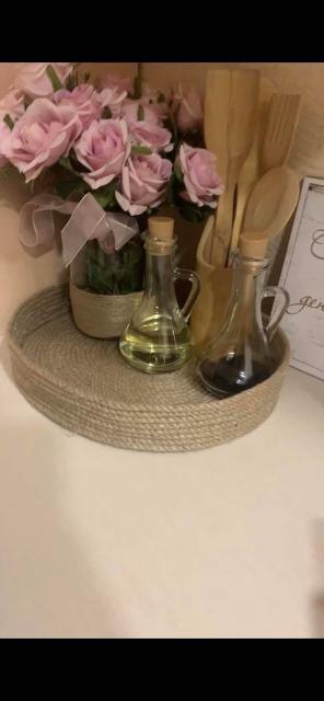 Декоративная корзинка дополнит любой интерьер в доме, как на кухне,так и в любой комнате