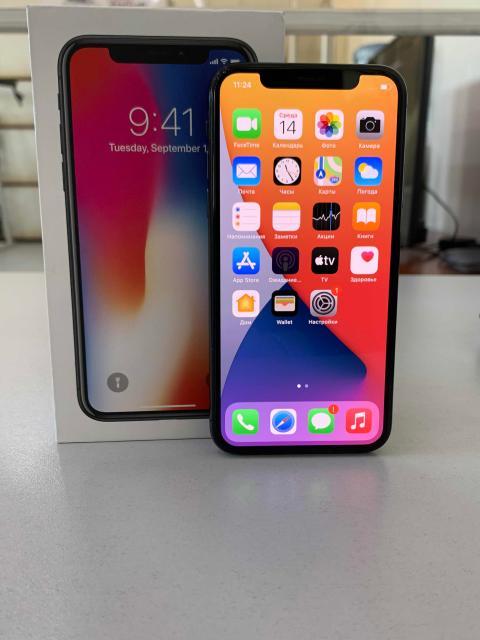 Продаю iPhone X black 64gb в хорошем состоянии  ⚠️ Face ID работает! ⚠️ коробка, блока нет, кабель родной, 2 чехла, стоит стекло  ⚠️ все родное в ремонте никогда не был, батарея 83% ⚠️ обмена нет, продажа в связи с покупкой нового телефона ⚠️ доставлю по городу