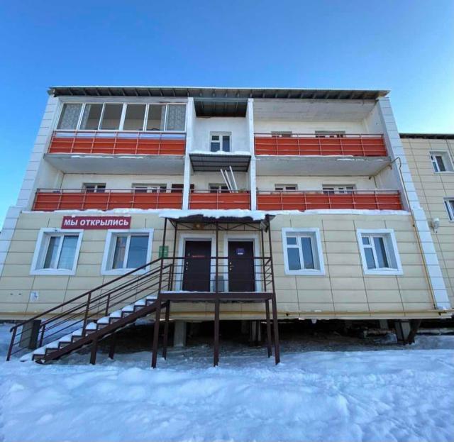 Продаётся нежилое помещение по Сергеляхскому шоссе 12 км. - 60 кв.м. - отдельный вход - первая линия - 1 собственник Цена 3700 т.р.  Конт тел 89141030822 Анна