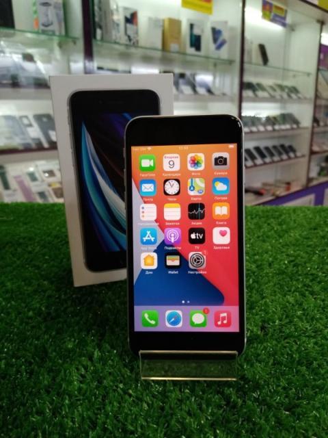 """экран: 4.7"""" (1334×750) оперативная память: 3 ГБ память: 64 ГБ камера: 12 МП аккумулятор: 1812 мА·ч процессор: Apple A13 Bionic SIM-карты: 2 (nano SIM+eSIM) операционная система: iOS 13 беспроводные интерфейсы: NFC, Wi-Fi, Bluetooth 5.0 интернет: 4G LTE степень защиты: IP67 вес: 148 г"""