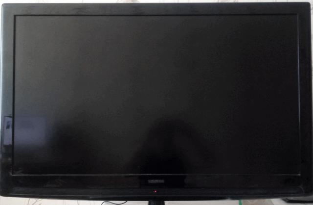 Телевизор THOMSON 46FR3230, диагональ 46 дюймов, жидкокристаллический, цветность желает быть лучше, передаёт как-то не так. Продаю за 2 т.р. Телевизор SAMSUNG CS-15K9Q диагональ 15 дюймов, ЭЛТ, показывает очень хорошо. Продаю за 2 т.р. Приставка цифрового TV SANABOX R14, работает отлично, продаю за 1 т.р. Итого: продаю сразу всё за 5 т.р.