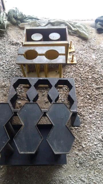Продается новый Вибропрессовый минизавод для производства шлакоблоков арболит блоков тротуарных плит                                     цена 300 тыс рб .  к.т 89245902718 пишите по номеру +7 914 305-04-30