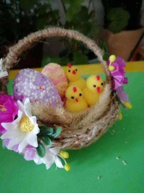 Пасхальное гнездо с птенчиками:)