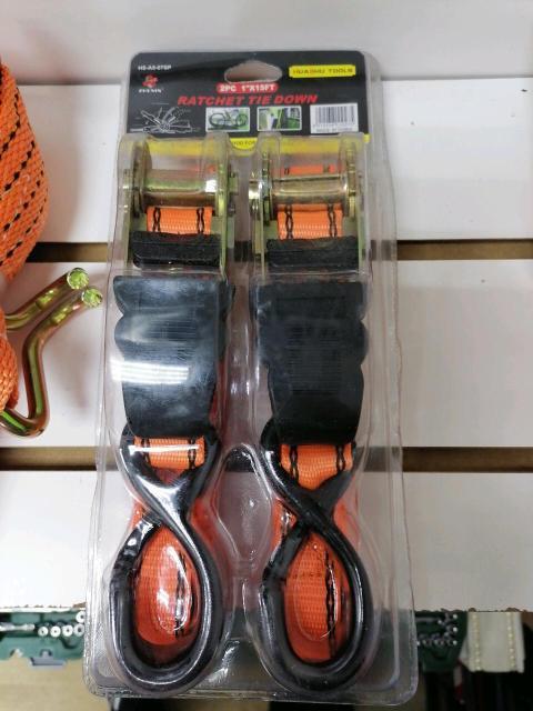 Стяжки новые. В упаковке 2 шт. По 15 м. Упаковка 850.