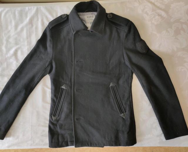 Продаю пальто за 1500 рублей. Реальному покупателю торг Размер: S