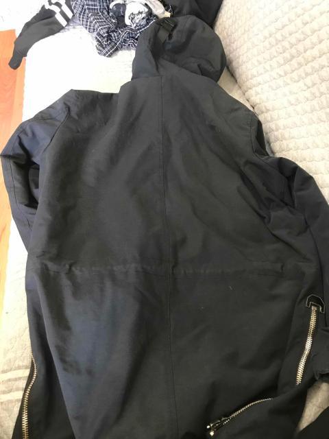 Куртка мужская,выглядит как новая,без косяков,удлинённая размер 48,для весны и осени