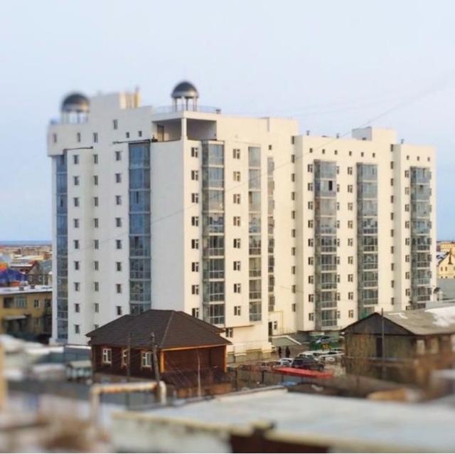 продается 1 ком. квартира ,заезжай и живи, район ЯГСХА общая площадь 39 кв.м. 1/9 этаж санузел совмещенный, мебель частично остается