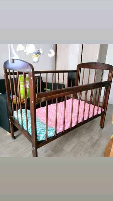 Детская кроватка + матрас и бортики в подарок. Самовывоз с дск, только ватсап