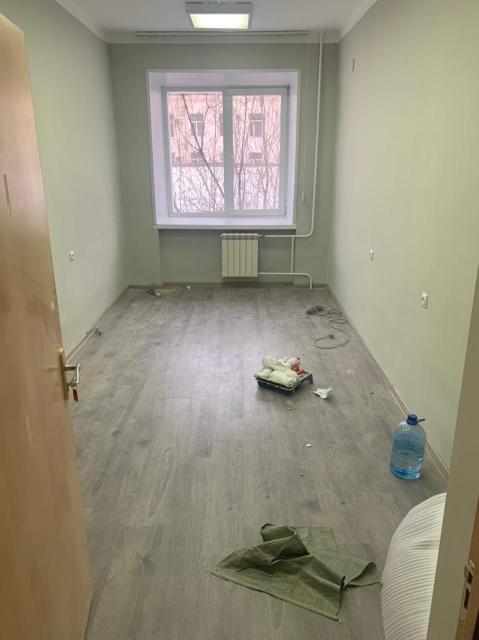 Сдам в аренду помещение 16 кв м, в самом центре города, 2 этаж, свежий ремонт, коммунальные услуги входят в стоимость аренды, доплачивать ничего не нужно, возможно, предоставление мебели по желанию
