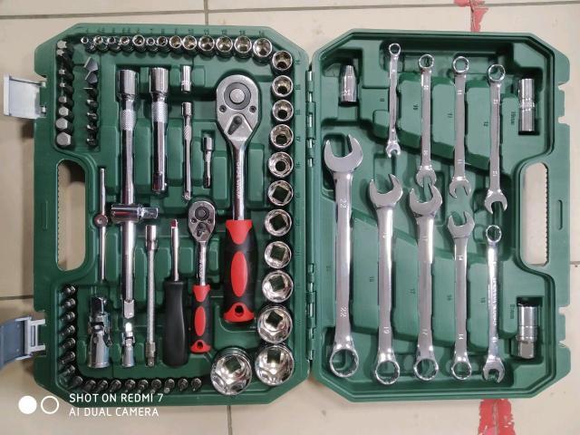 Продаю набор ключей 82 -78 -61- 94 доставка есть