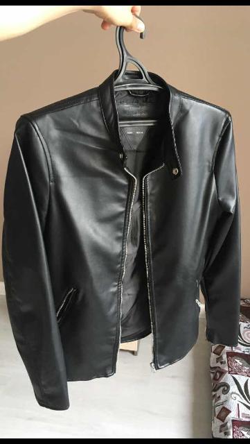 Продам абсолютной новый кожаный бомбер H&M, размер S