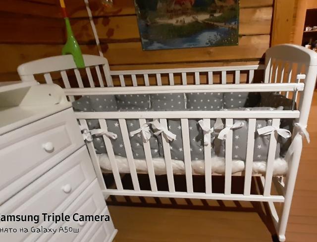 Детская кровать. Бортики и матрац в комплекте. В подарок балдахин
