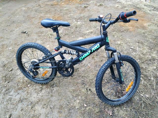 Продаю детский велосипед.