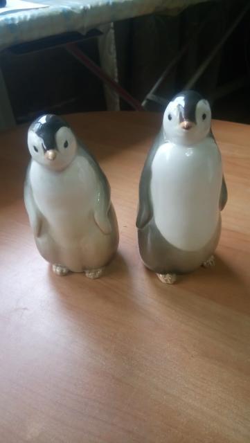 Пингвины парные, самец,самка, клеймо ЛФЗ у самки. Цена за обе.