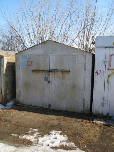 Продается металлический гараж 6х3 м. Расположен на Окружном шоссе, охраняемая стоянка недалеко от авторынка