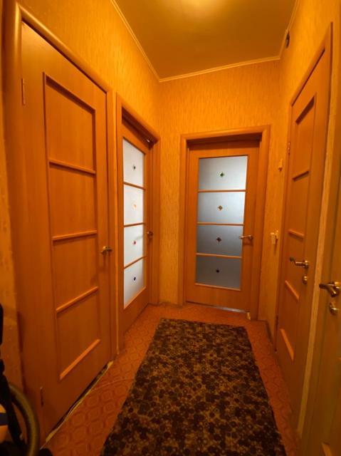 Продается 3 комнатная квартира в центре города, по ул. Дзержинского.  ✅Дом 1992 г.п. ✅Этаж 3 из 6. ✅Площадь 73,3 кв.м. ✅Лоджия 5 кв.м. ✅Инд.планировки ✅С мебелью ✅Показ в любое время