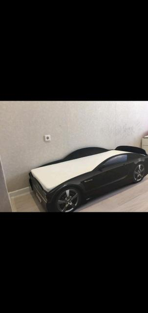 Кровать-машина Чёрный Мустанг  Характеристики: Размер спального места: 70х160 см.  Максимальная нагрузка: 100 кг Подойдёт как девочкам так и мальчикам.