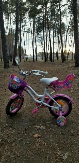 Продаю детский велосипед в отличном состоянии. Возраст: 4-5 лет