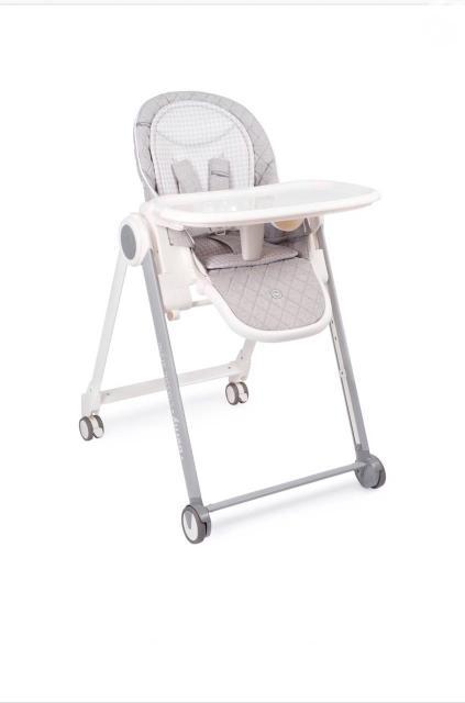 🧚🏼♀️Стульчик для кормления Happy Baby Berny Basic New, до 25 кг, шезлонг, light grey 🧚🏼♀️Стульчик для кормления BERNY BASIC NEW имеет множество возможностей регулировки – комфортное положение для крохи фиксируется за секунды. Съемный столик имеет три положения по длине и будет удобен для первых самостоятельных обедов. Стул можно использовать и за общим столом, отрегулировав сидение по высоте. Безопасность обеспечивают комфортные пятиточечные ремни и тормозной механизм на задних колёсах. На обратной стороне спинки есть карман для мелочей – в него удобно положить салфетки или, например, убрать игрушки на время кормления. Стульчик прост в уходе – съемный столик и поднос легко моются под струей воды.Для комфорта малыша добавлена съемная мягкая вкладка на сиденье. BERNY BASIC NEW удобно использовать в помещении любой площади благодаря компактным размерам и быстрой системе складывания, а изящная рама и приятные цвета выгодно дополнят современный интерьер. 🧚🏼♀️ страна бренда: Великобритания 🧚🏼♀️Характеристики:       ✨материал: пластик, металл, полиэстер       ✨размер сиденья: 39,5х25 см        ✨вес стульчика: 10,8 кг       ✨размер в сложенном виде:                                                              39х59х119см       ✨размер в разложенном виде: 80х59х103 см       ✨регулировка столика: 3 положения по длине (19, 21, 24 см)       ✨регулировка спинки: 3 положения наклона (107/130/148 градусов)             ✨регулировка подножки: 3 положения 🧚🏼♀️Цена-8000 ДОСТАВКА ПО ГОРОДУ БЕСПЛАТНО!!!