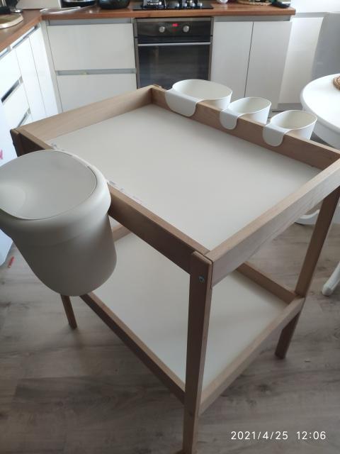 Продаю очень удобный пеленальный столик от икея в хорошем состоянии.доставка до квартиры после 19:00ч. Пишите в ватсап