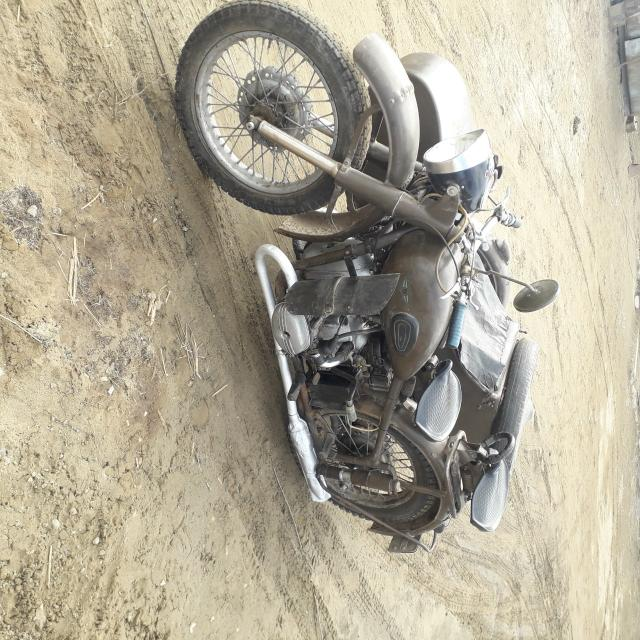 Продаю раритет. Мотоцикл м 61 ирбит, полностью в рабочем состоянии. С документами.