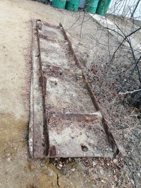 Отдам за 5 мешков перегноя,  лист толщиной 1 см ,ширина 1 метр длина 4 метра . Самовывоз