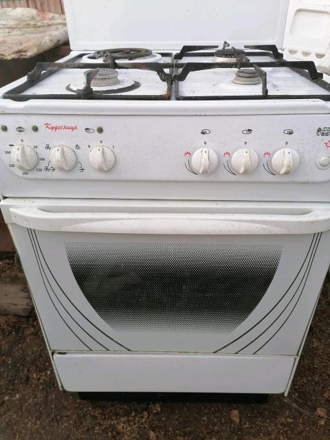 Продам газовую плиту 4х комфорочную, в нормальном тех.состоянии