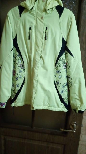 Продаю современную спортивную утеплённую курточку, фактически новая, в отличном состоянии и хорошего качества, размер 44-46
