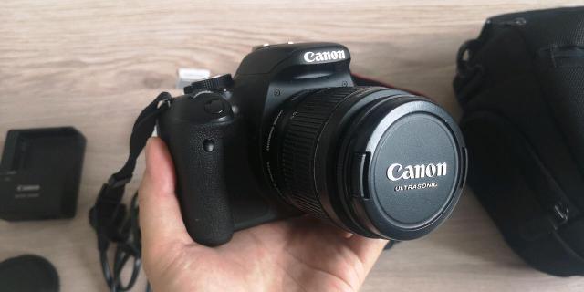 Продаю Canon EOS 600D, отличное состояние. Причина продажи деньги нужны. Возможно торг.