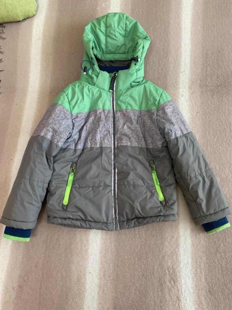 Продаю детскую демисезонную куртку Pelikan размер 6 (рост 111 - 116). В идеальном состоянии. Самовывоз порт.