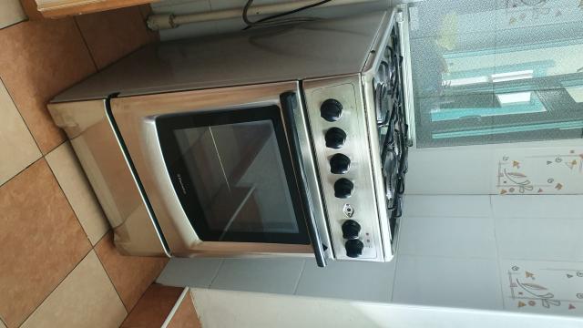 Продаю плиту Электролюкс в хорошем состоянии