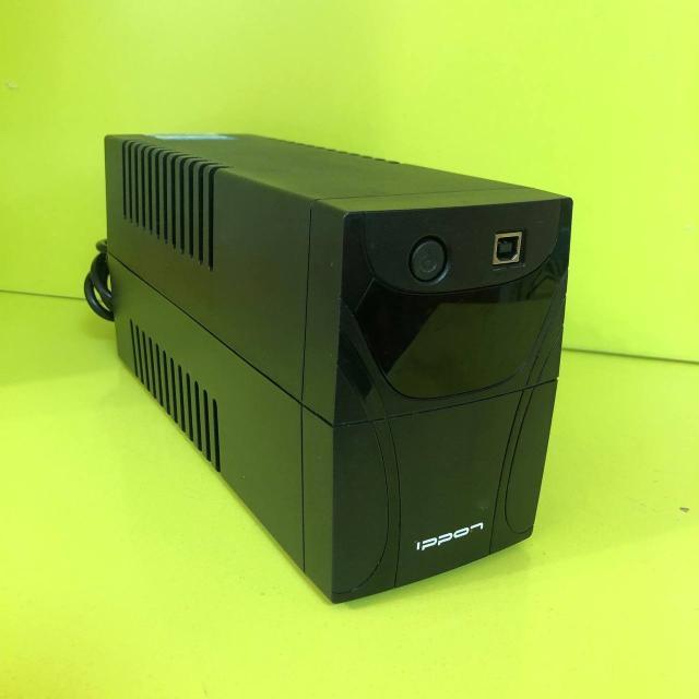 1-фазное входное напряжение Выходная мощность 600 ВА / 360 Вт 5 мин работы при полной нагрузке Выходных разъемов: 2 Разъемов с питанием от батареи: 2 Интерфейсы: USB, RS-232 Время зарядки 6 ч